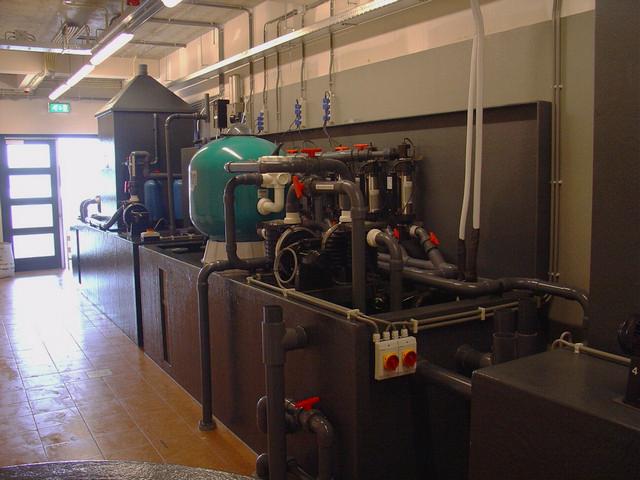 Mechanische en biologische filtertechniek showaquaria Aquapolis Neeltje Jans