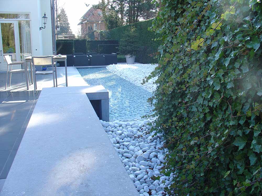 Sier-vijver-na-aanpassen-filtertechniek-door-bio-water-systems-